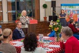 Eerste Lelystadse 'Vraagelkaar'-café druk bezocht