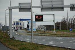 Houtribdijk (N307) blijft nog tot de middag dicht voor vrachtwagens