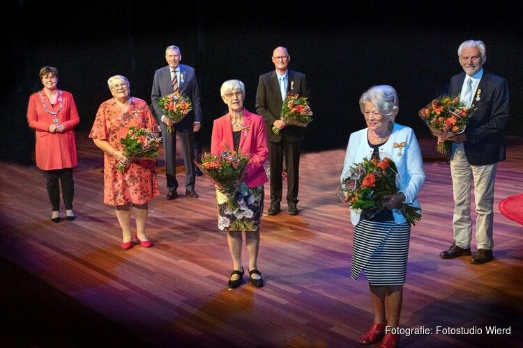 Koninklijke onderscheidingen Lintjesregen uitgereikt